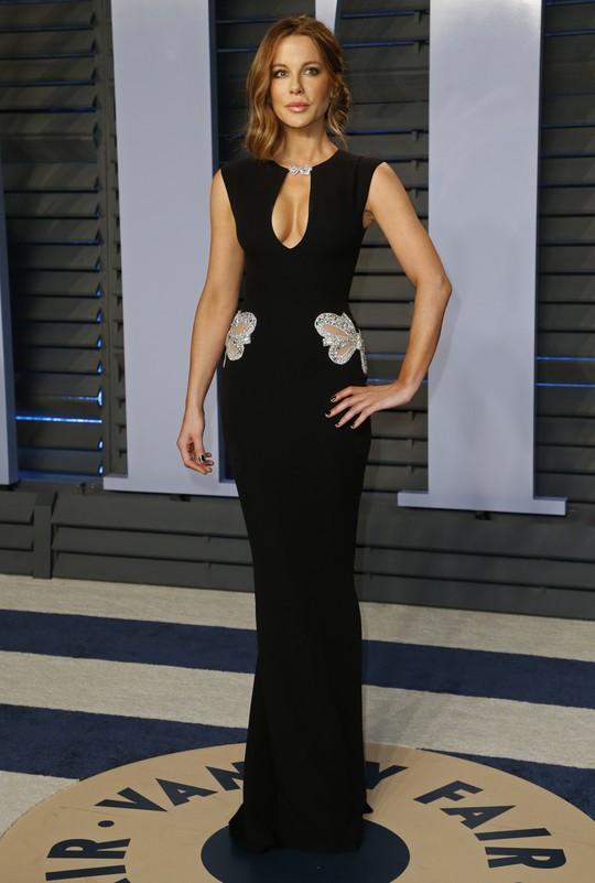 Dàn người đẹp khoe vòng một tại tiệc hậu Oscar - Ảnh 13.