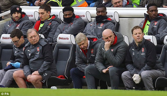 Arsenal thua 4 trận liền, fan khóc nức nở - Ảnh 3.