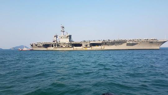 Thông điệp Mỹ gửi Trung Quốc qua tàu sân bay USS Carl Vinson - Ảnh 1.