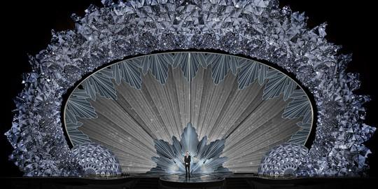 Sân khấu băng giá gắn 45 triệu viên pha lê của Oscar 2018 - Ảnh 1.