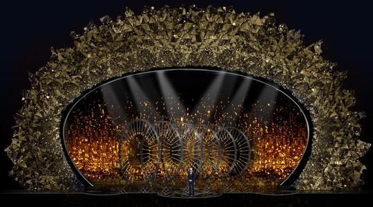 Sân khấu băng giá gắn 45 triệu viên pha lê của Oscar 2018 - Ảnh 4.