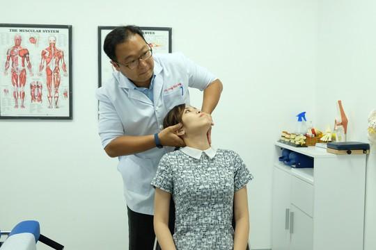 Tại ACC, tỉ lệ nữ điều trị thần kinh cột sống cao hơn nam - Ảnh 5.