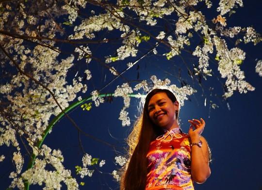 Mùa hoa sưa nở trắng trời Hà Nội - Ảnh 9.