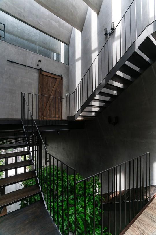 Ngôi nhà ống ở TP HCM lên tạp chí kiến trúc của Mỹ - Ảnh 15.
