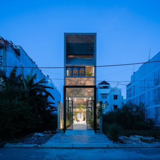Ngôi nhà ống ở TP HCM lên tạp chí kiến trúc của Mỹ - Ảnh 26.