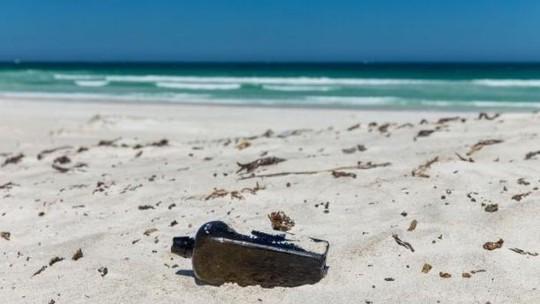 Đào cát tìm đồ chơi, phát hiện báu vật 132 năm trước - Ảnh 3.