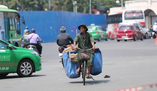 Nhiệt độ ở Sài Gòn lên đến 39 độ C, kéo dài đến tháng 5 - Ảnh 4.