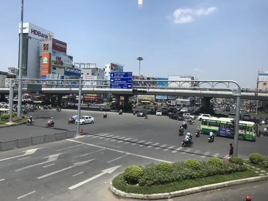 Nhiệt độ ở Sài Gòn lên đến 39 độ C, kéo dài đến tháng 5 - Ảnh 1.