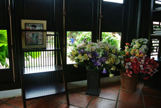 Ngây ngất với biệt thự dát toàn gỗ quý của Hoa khôi Thu Hương - Ảnh 10.