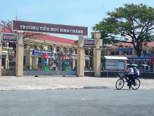 Thêm một nhân chứng tố ông Võ Hoài Thuận ép cô giáo quỳ gối 40 phút - Ảnh 1.