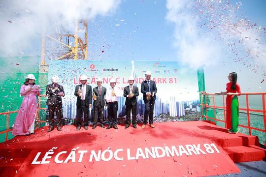 Cất nóc dự án toà tháp cao nhất Việt Nam - Ảnh 1.