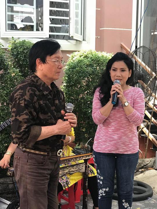 Minh Vương ca bên cầu dệt lụa tưởng nhớ Thanh Sang trong ngày giỗ đầu - Ảnh 11.