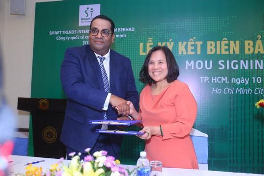 Trung tâm đào tạo quốc tế Văn Lang hợp tác với Malaysia - Ảnh 2.
