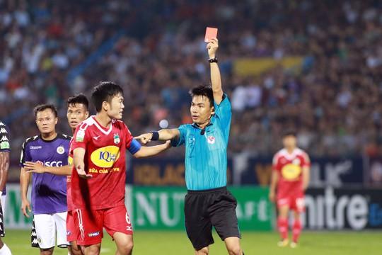 Tăng Tiến và CLB Hà Nội nhận án phạt nặng từ VFF - Ảnh 1.