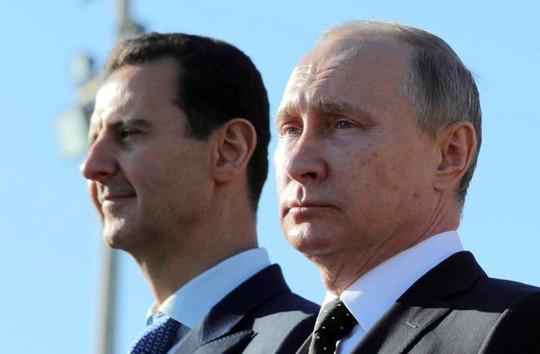 Ông Trump dọa chiến tranh, Syria sơ tán máy bay  - Ảnh 1.