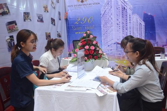 Hơn 1.000 sinh viên tham gia ngày hội việc làm ngành du lịch - Ảnh 1.