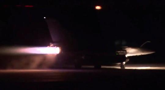 (Video) - Mỹ và đồng minh dội tên lửa vào Syria - Ảnh 14.