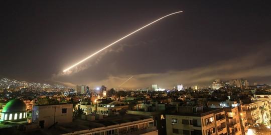 Mỹ không kích Syria: Bộ Quốc phòng Nga lên tiếng về S-400 - Ảnh 2.