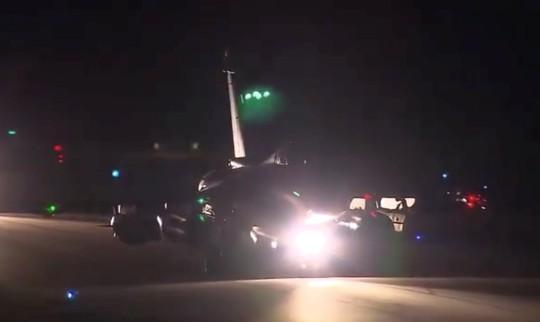 (Video) - Mỹ và đồng minh dội tên lửa vào Syria - Ảnh 13.