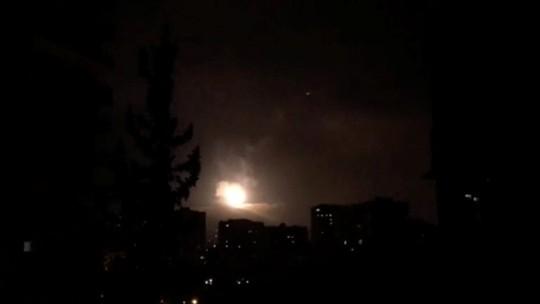 (Video) - Mỹ và đồng minh dội tên lửa vào Syria - Ảnh 4.