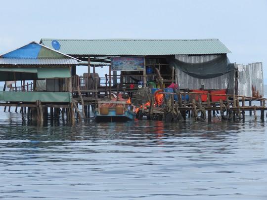 Khám phá vẻ đẹp hoang sơ của làng chài Rạch Vẹm ở Phú Quốc - Ảnh 3.