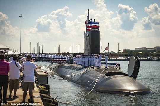 Cận cảnh tàu ngầm Mỹ phóng nhanh tên lửa Tomahawk về phía Syria - Ảnh 2.