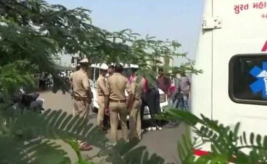 Ấn Độ: Bé 9 tuổi bị cưỡng hiếp tập thể, thi thể bị hơn 80 vết thương - Ảnh 1.