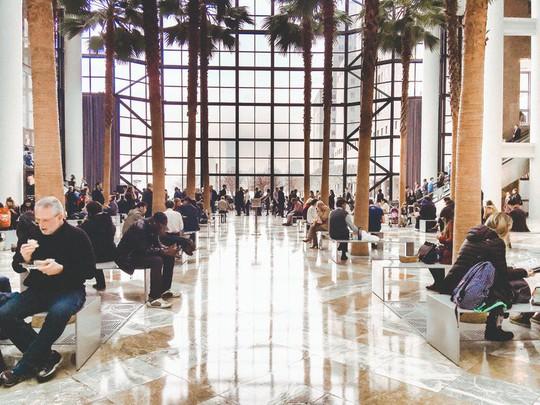 Khám phá trung tâm mua sắm xa xỉ bậc nhất New York - Ảnh 16.