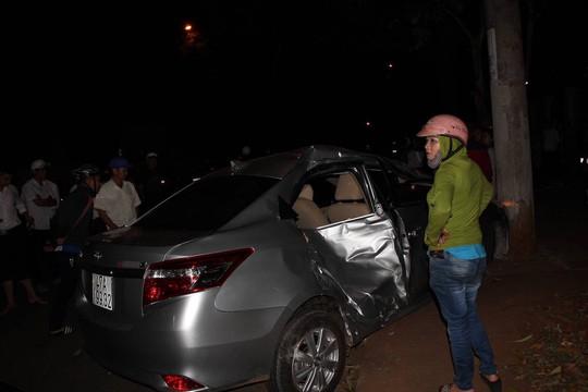 Xe con lấn làn tông xe máy, 3 người trong gia đình thương vong - Ảnh 3.