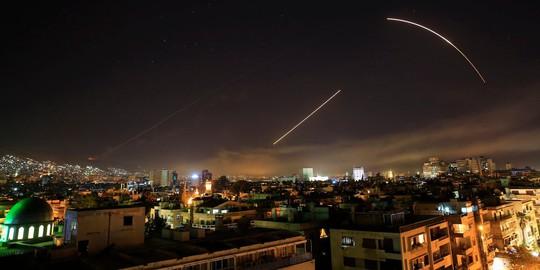 """Chuyên gia phương Tây """"không tin"""" Syria bắn hạ 71/105 tên lửa liên quân Mỹ - ảnh 2"""