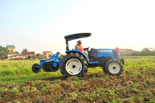 Máy kéo thương hiệu THACO xuất xưởng phục vụ nông nghiệp - Ảnh 2.