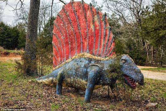 Ám ảnh công viên khủng long bị bỏ hoang - Ảnh 4.