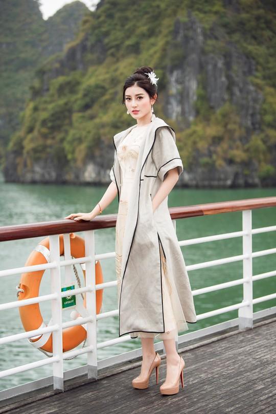 Nhã Phương xuất hiện xinh xắn tại show thời trang - Ảnh 6.