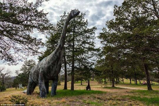Ám ảnh công viên khủng long bị bỏ hoang - Ảnh 8.