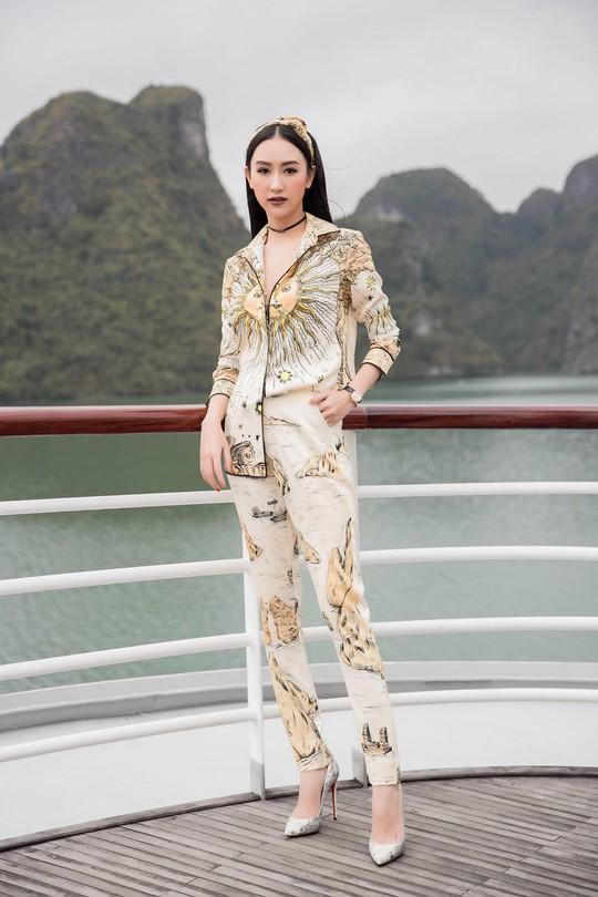 Nhã Phương xuất hiện xinh xắn tại show thời trang - Ảnh 8.