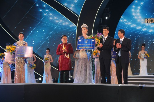 Nguyễn Thị Kim Ngọc đăng quang Hoa hậu Biển Việt Nam Toàn cầu 2018 - Ảnh 5.