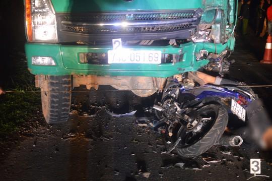 Đã xác định nguyên nhân vụ tông vào ô tô tải, 4 thiếu niên tử vong - Ảnh 1.