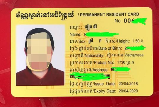 Trao hơn 100 thẻ vàng cho bà con người Campuchia gốc Việt - Ảnh 10.