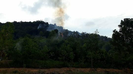Cháy dữ dội rừng phòng hộ ở Phú Quốc nghi do dân đốt bao chiếm đất - Ảnh 2.