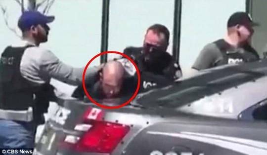 Canada: Xe tải lao vào đám đông, 10 người thiệt mạng - Ảnh 3.