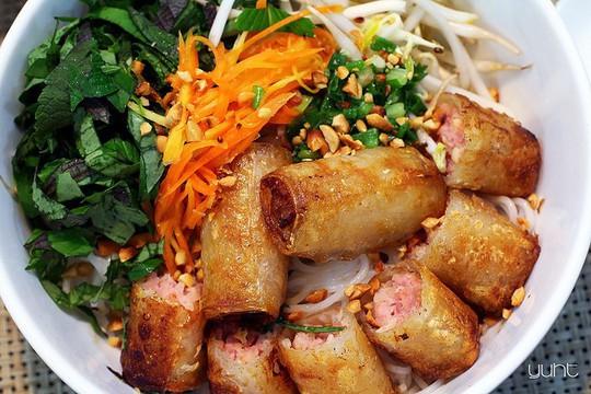 Mùa hè, 10 món ăn vặt ở Sài Gòn nhất định phải thử - Ảnh 1.