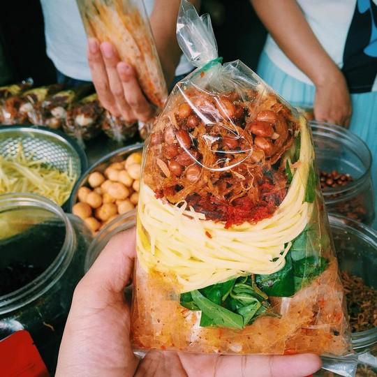 Mùa hè, 10 món ăn vặt ở Sài Gòn nhất định phải thử - Ảnh 5.