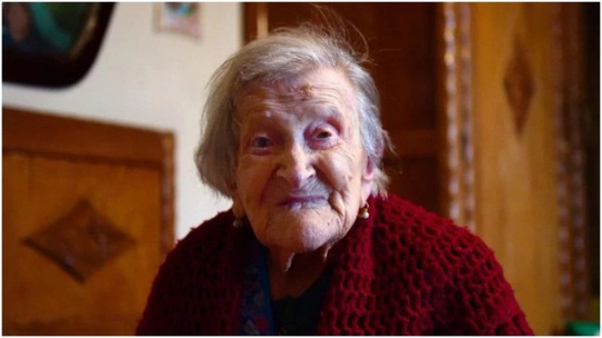 Bí quyết sống trên trăm tuổi của các cụ bà: Không lấy chồng - Ảnh 1.