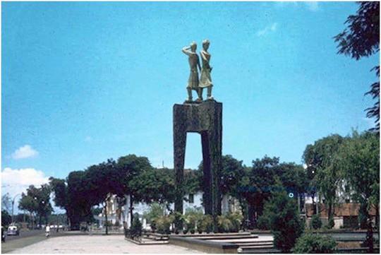 Chuyện ít biết về các tượng đài trước năm 1975 ở Sài Gòn - Ảnh 2.