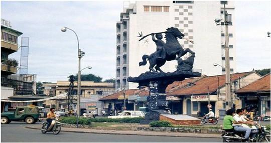 Chuyện ít biết về các tượng đài trước năm 1975 ở Sài Gòn - Ảnh 3.