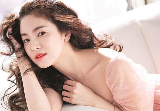 Tứ đại mỹ nhân màn ảnh Hàn lấy chồng toàn cực phẩm - Ảnh 3.