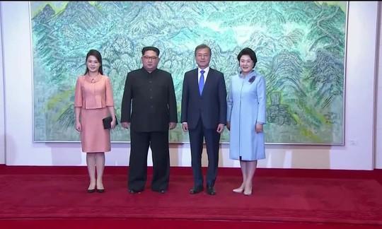 Chuyện về 4 người phụ nữ ở thượng đỉnh liên Triều - Ảnh 1.