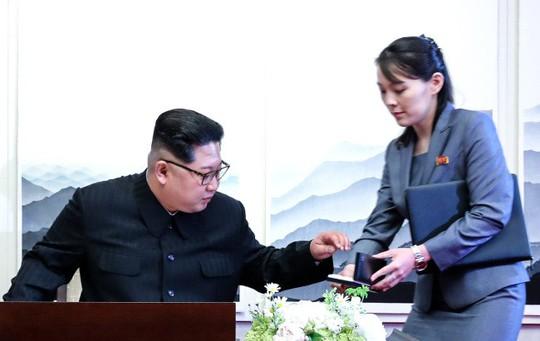 """""""Soi"""" xế sang của lãnh đạo liên Triều - Ảnh 2."""