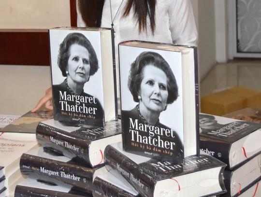 Ra mắt cuốn sách ngàn trang về bà đầm thép Thatcher - Ảnh 1.