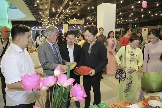 Tưng bừng khai mạc sự kiện hội tụ sản vật Đồng Tháp tại TP HCM - Ảnh 3.